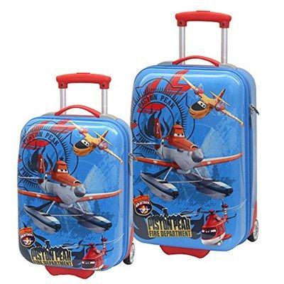 Si te tienes que ir de viaje con los niños, lo que menos te apetece es tener que cargar con su equipaje, así que un juego de maletas de cabina con ruedas, que les guste a los niños y quieran llevar ellos solos puede ahorrarte muchos quebraderos de cabeza. Y con este descuento del 70% se quedan a un precio brutal.  Chollo en Amazon: Juego de maletas infantiles Aviones de Disney por 51,36€ (70% de descuento sobre el precio de venta recomendado y precio mínimo histórico