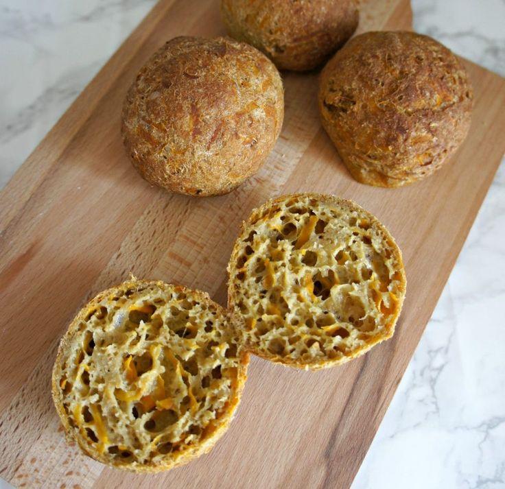 Der er også gode grundregler, når vi taler glutenfri bagning. Til glutenfri bagning bruger jeg altid to ingredienser, herunder Yeast tørgær og Fiber-HUSK.