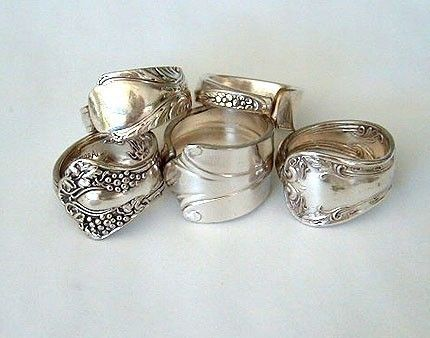 New Uses for Old Silverware from Through the Front Door http://kirstenerickson.blogspot.com/2011/12/spoon-ring-tutorial.html