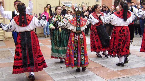 musica-y-folclore-en-salamanca_758391.jpg (500×281)