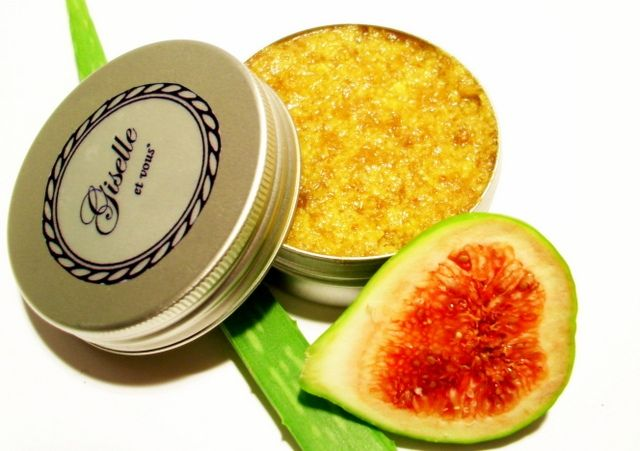 Fig-Aloe peeling face scrub / Main Ingredients: figs, aloe vera, essential oil, cocoa butter, jojoba oil, vitamin e / 100% natural organic facial product / Giselle et Vous.