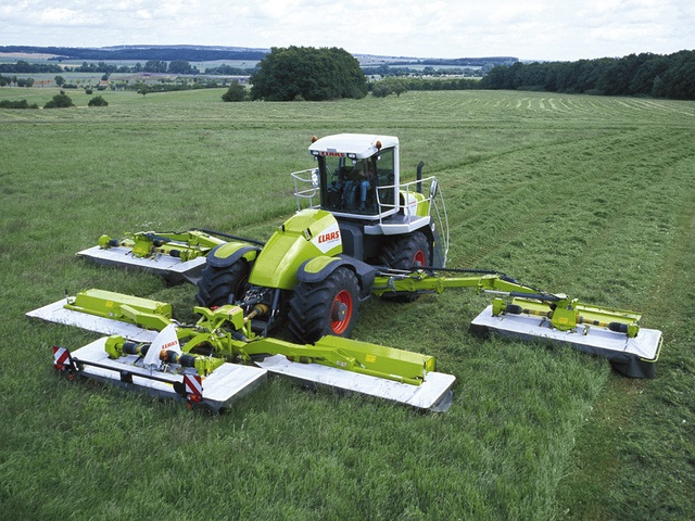 The World's Biggest Lawnmower is the CLAAS Cougar 1400 RC - 45 ft. of cutting awesomeness