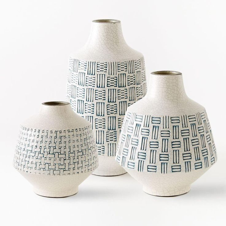 Inspired by a centuries-old weaving tradition, skilled Filipino artisans handcrafted our Basketweave Ceramic Vases. Each piece is hand turned, glazed and painted to create a textured look.