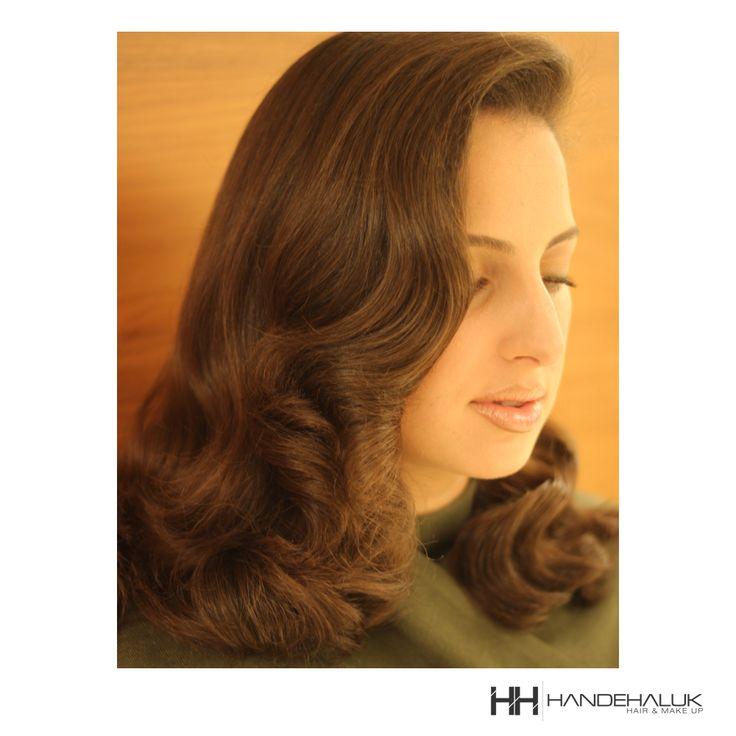 Sen de vintage modellerden vazgeçemiyorsan bu saç tam senlik!  #HandeHaluk #ulus #zorlu #zorluavm #zorlucenter #beautiful #beauty #instabeauty #style #moda #hair #hairstyle #instahair #hairdye #hairdo #instafashion #hairoftheday #hairfashion #instaphoto #instadaily #instagood  #bestagram #bestoftheday #inspiration #beautiful #bakım