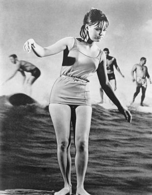Sally Fields in her role as boy-crazy surfer Gidget in the 1960s television seriesSeries, Remember, Classic 1960 S, Surfs Up, 1960S Television, Surf Up, Surf Dead, Boys Crazy Surfers, 1960 S Pretend