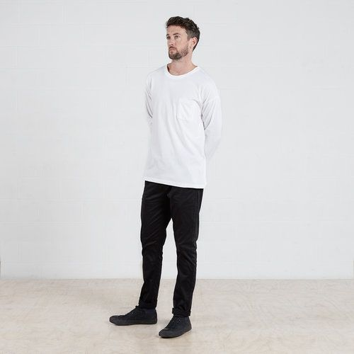 Long sleeve pocket t-shirt in White #dorsu #autumncollection #newcollection #menswear #fashion #basics #fashionessentials #cotton #ethicalfashion #tee #ethical #fair #wellmade #quality #comfort #black #minimal #modern #longsleeve #tshirt #winter17 #winter #aperfectday #perfectday #t-shirt #tshirt #simple #monochrome #white #pocket