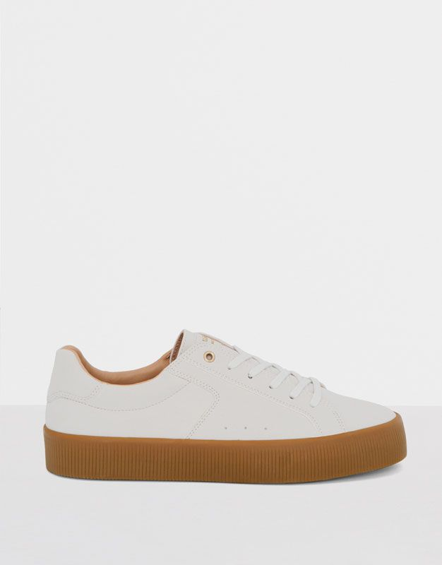 :WHITE PLIMSOLLS WITH CARAMEL SOLE