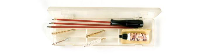 Reinigungsgarnitur für Büchsen und KK-Gewehre bestehend aus einem 3-teiligen Stahlputzstock mit PVC-Umkleidung und drehbarem Griff, Spiralnutenwerghalter, Wollwischer und Borstenbürste.