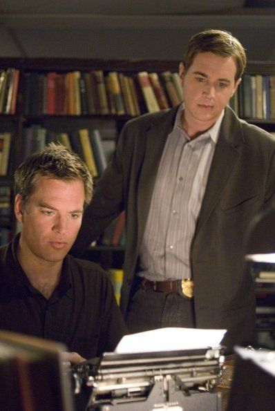 Senior Field Agent Tony DiNozzo (Michael Weatherly) and Probie Tim McGee (Sean Murray)