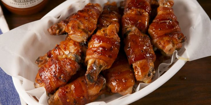 Best Maple Bacon Wings Recipe - How to Make Maple Bacon Wings