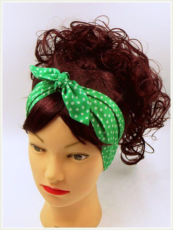 Cravatta a pois su sciarpa capelli verde e bianco stile