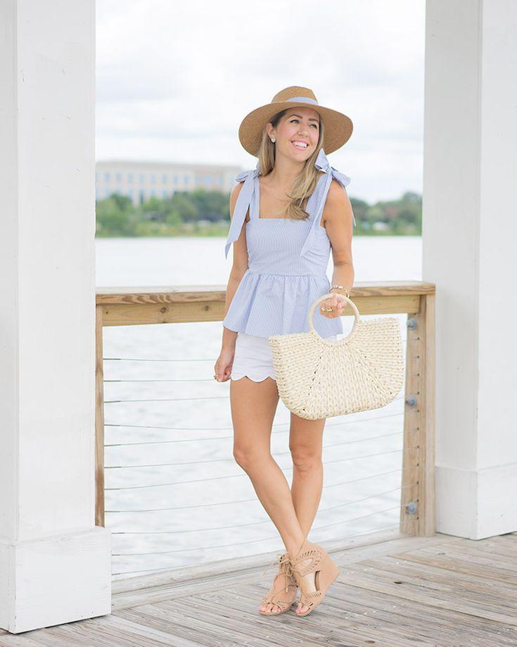H & M синий лук, шляпа seersucker, соломенная сумка