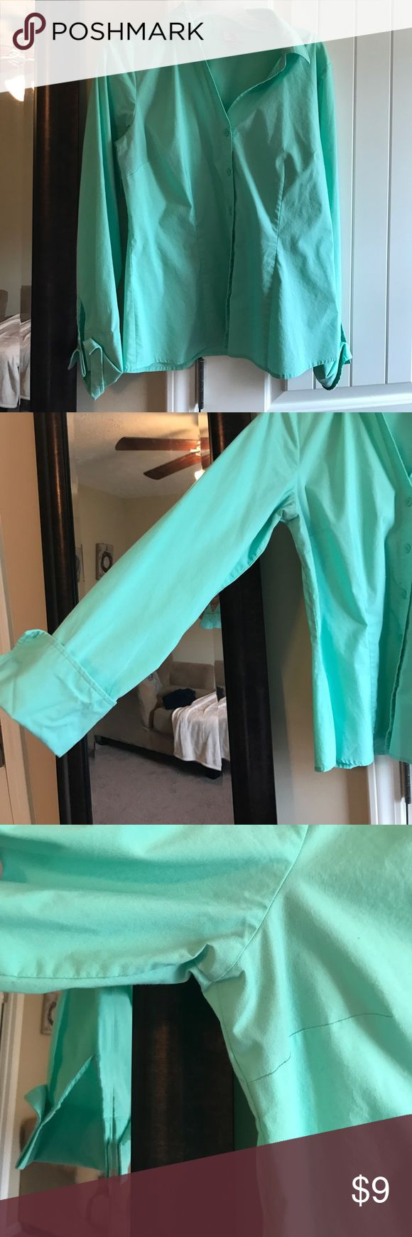 Mint Button Up! Great way to add a splash of color to any work outfit! Size 12 - M/L Worthington Tops Button Down Shirts