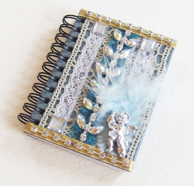 Petit Carnet Précieux - Comme un Ange - Dentelle, strass, plume, rubans dorés - Bleu et blanc : Carnets, agendas par mudita-creations