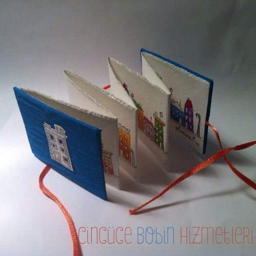 """Cincüce'nin minyatür kitapları, """"Dedikodulu Evler"""" serisi, akordeon kitap / Miniature accordeon book"""