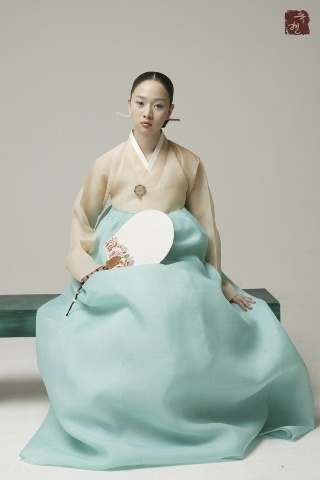 Beautifully elegant Hanbok - tradition still looks good.