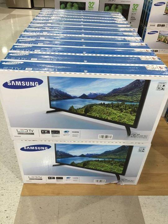 Televisor Samsung de 32 pulgadas Nuevo en su caja En Oferta $$12,500  100% Nuevos en su cajas!  APROVECHA ESTA GRAN OFERTA ANTES DE QUE SE ACABEN, NO TE QUEDES SIN EL TUYO LLÁMANOS YA!!!  Modelo Normal 32 pulgadas..........................$12,500 Modelo Smart TV 32 pulgadas............$13,500  MonsterLaptops  Teléfono Local: (809) 422-4788 Whatsapp: (829) 523-9395. ********************************************************************************************* Disfruta de colores ricos…
