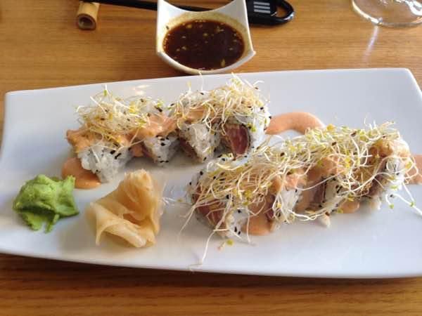 Rollos de atún picante, ¡calidad japonesa y creativa! (Palma de Mallorca) #restaurante #dishes #gastronomy  http://www.onfan.com/es/especialidades/palma-de-mallorca/arume-sushi-bar/roll-de-atun-picante?utm_source=14%2F11%2F2014&utm_medium=redes%20sociales&utm_campaign=pinterest