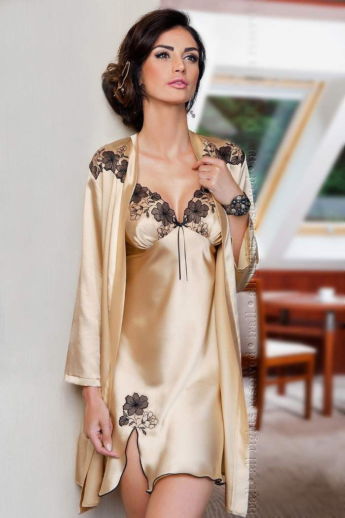 Silk chemise nightwear is the perfect choice anytime, whether you're looking for a sexy women's nightgown or a simple silk nightie. If you're in search of the perfect chemise, consider a silk chemise with just the right amount of lace to create a delicate, breathtaking look.
