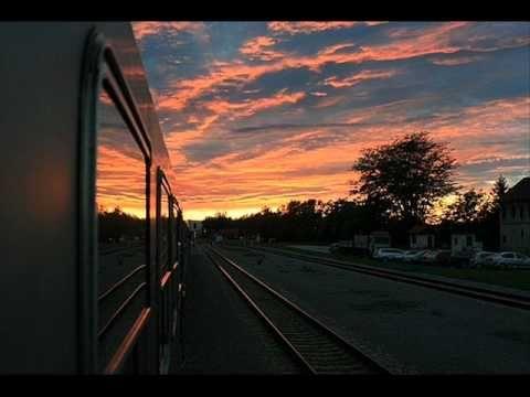 nawet kiedy masz nadzieję, kiedy masz wiarę, kiedy wiesz,  że będzie dobrze!  nawet wtedy,  czasem smutek Cię dopada …  a jednak   nawet wtedy  możesz gonić słońce    Louise Dowd & Richard Salmon - Chasing The Sun