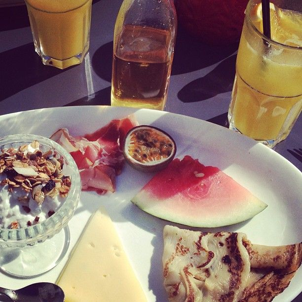 Lille Brunch at Flying Circus downtown CPH Nørrebro #cph#nørrebro#brunch#instafood#pancakes#music#love