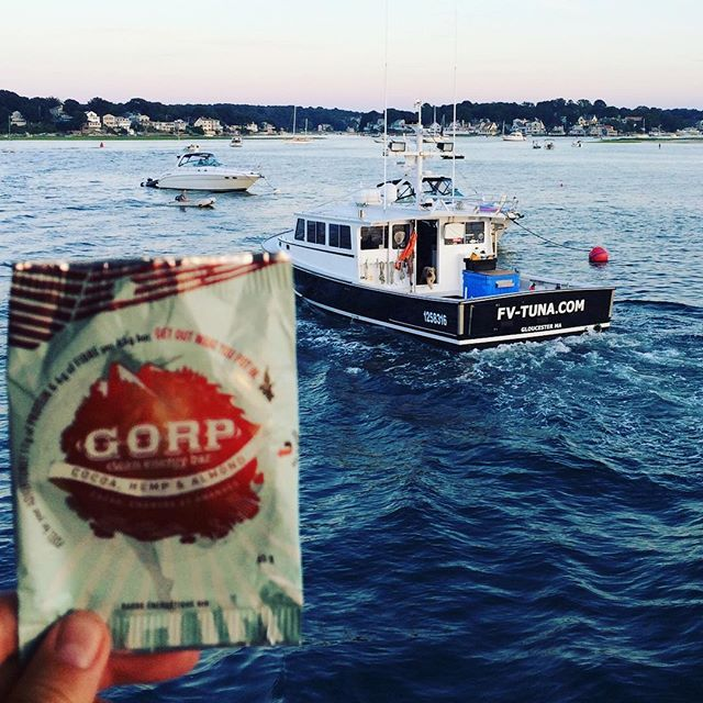 """Just snappin' a few pics for work...O look! A fishing boat, I'll wait for that guy to snap a pic with. Hmm...FV-TUNA.COM. Isn't that...""""Hey Steve! What's Nat Geo's Wicked Tuna TV show's boat's name?"""" - """"FV TUNA DOT COM."""" - """"What?! Wicked cool!"""" Incase you're still confused, yes folks, that is the Fishing Vessel from National Geographic's tv show, Wicked Tuna. They are out of Gloucester, MASS. 🐟⚓️ @gorpbar #gorpbar #cleanenergy #cleanenergybar #gloucesterma #wickedtuna #fishingwithgorp"""