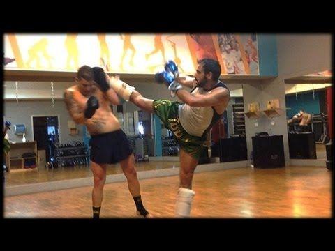 Kickboxing Training + Combo - YouTube