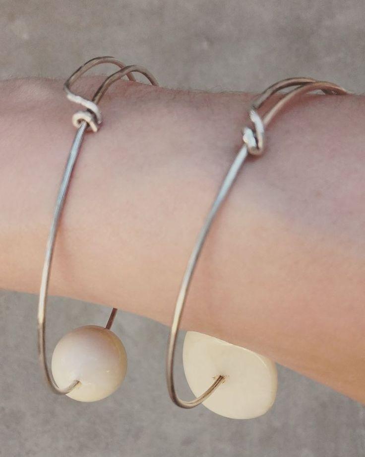 #silverwirebracelets #summerfashion #boho #whitebeads #handmadejewelery