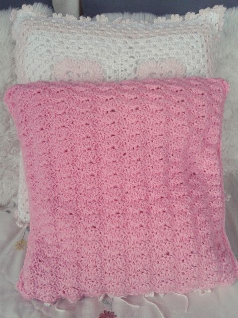 Crochet pillow, SUGAR PINK shell stitch