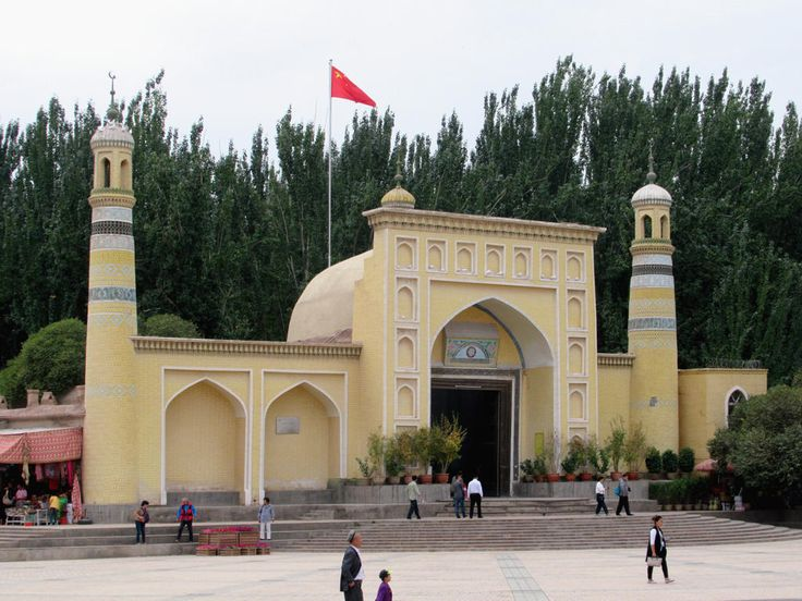 The Id Kah Mosque (1442) in Kashgar, Xinjiang, is the largest mosque in China. Tourists may visit daily but Muslim worshippers are only allowed in for Friday prayers and their ID cards are recorded.