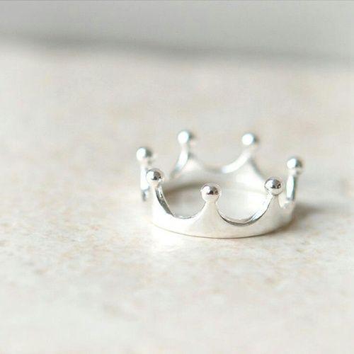 anillo forma corona