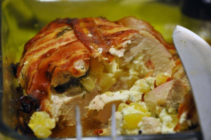 Fyldt kalkunbryst med annans og flødeost og pakket ind i sprød bacon  med billede opskrift vist 13154, printet 437. Hovedret Andet Kalkun
