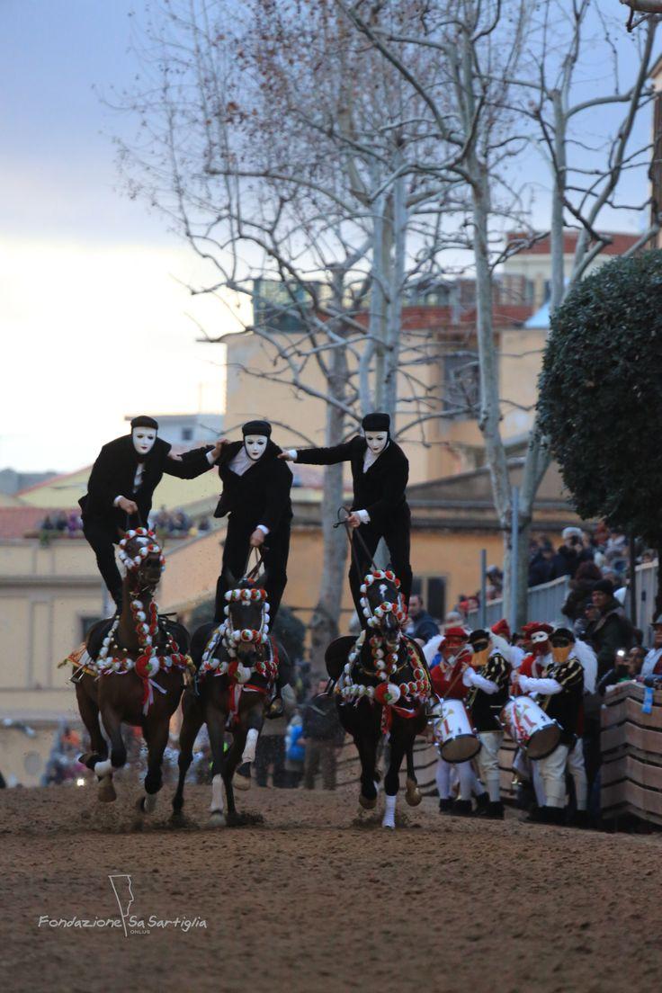 Corsa delle Pariglia in via Mazzini - #Sartiglia2014 - #Oristano