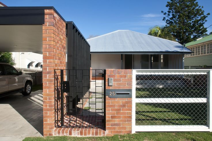 Owen Architecture | Queenslander Lowered | © Jon Linkins