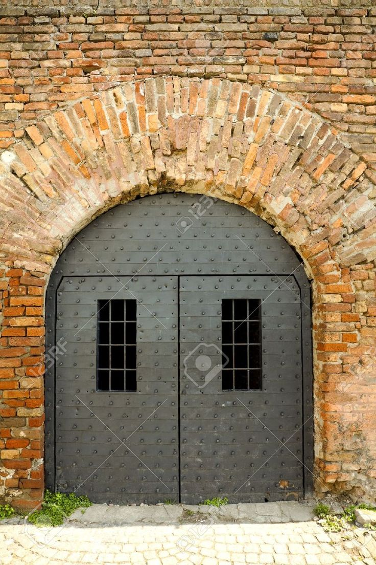 9293608-prison-doors-Stock-Photo-prison.jpg (866×1300)