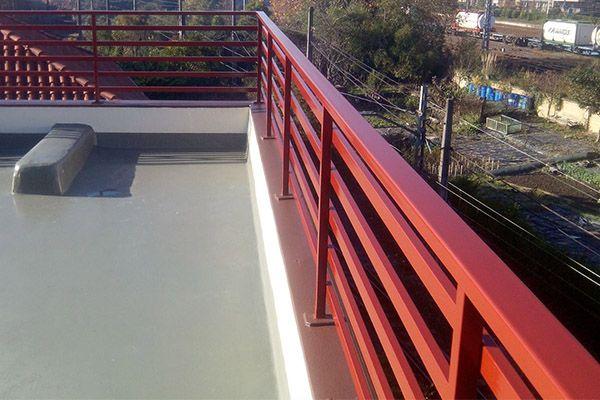 Barandillas en acero galvanizado pintadas en rojo para balcón en casa de Irun (Gipuzkoa)   #barandillas   #balcones   #irun   #hondarribia   #donostia   #gipuzkoa   #sansebastian