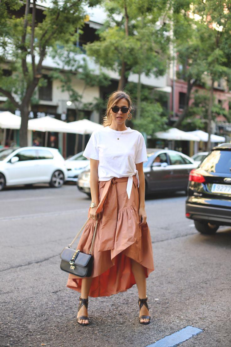 http://stylelovely.com/ladyaddict/2016/06/boho-skirt                                                                                                                                                                                 Más
