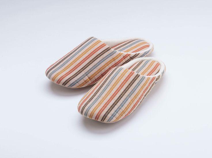 当社オリジナルブランドつむぐスリッパ S-36 2200円税 http://ift.tt/2EZQeL2  #スリッパ #遠州綿紬 #つむぐ #飴 #巾着 #お土産 #木綿 #縞 #hamamatsu #shizuoka #gift #stripes #fabric #cotton #slippers