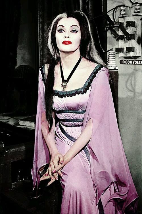 lily munster how tall