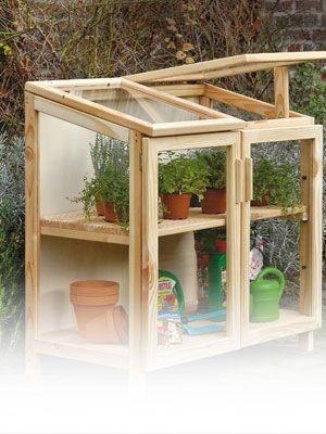 Costruire una serra di legno arredi da giardino fai da for Costruire una semplice capanna di legno