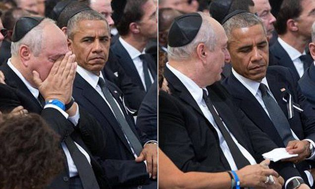 Photographer snaps touching image of Obama and Shimon Peres's son