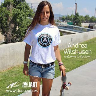 Andrea es la nueva incorporación que llega a nuestro equipo de profesionales con muchas ganas y motivación.  Welcome to Doctown #AndreaWilshusen!  http://www.doctown.es/tienda/blog/welcome-andrea-wilshusen/  #Skatecamp #escueladeskate  #skategirl  @jartskateboards  @arnettespain