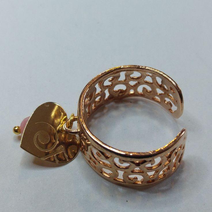 Ciao! Ho aggiunto un nuovo gioiello alla collezione A/I 2016-17: Anello Argento go.... Vieni a scoprirlo sul mio sito: http://flintgioielli.it/products/anello-argento-gold-con-charm-logo-e-pietra-dura?utm_campaign=social_autopilot&utm_source=pin&utm_medium=pin