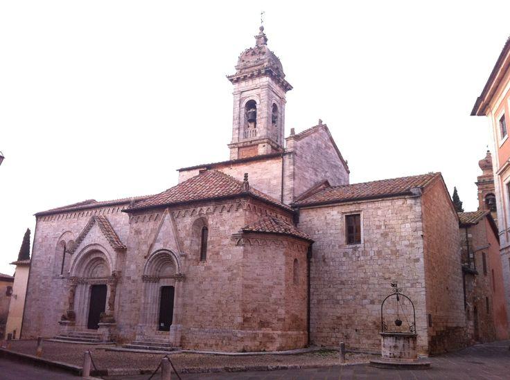 La Collegiata di San Quirico e Giulitta (1298) a San Quirico D'Orcia.  #terredisiena