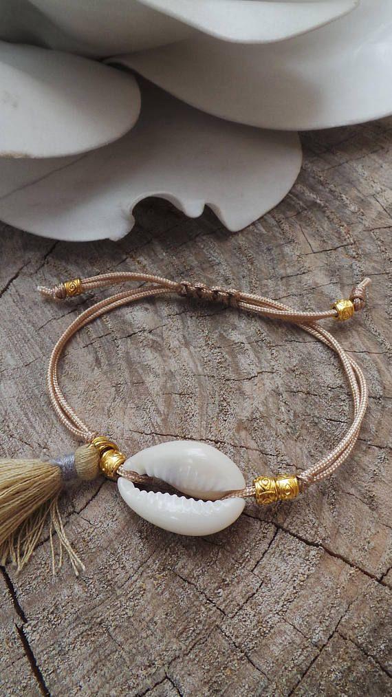 Cowrie shell bracelet. Boho tassel bracelet.Summer bracelet. Festival jewellery. Stacking bracelet. Macrame bracelet with cowrie shell.