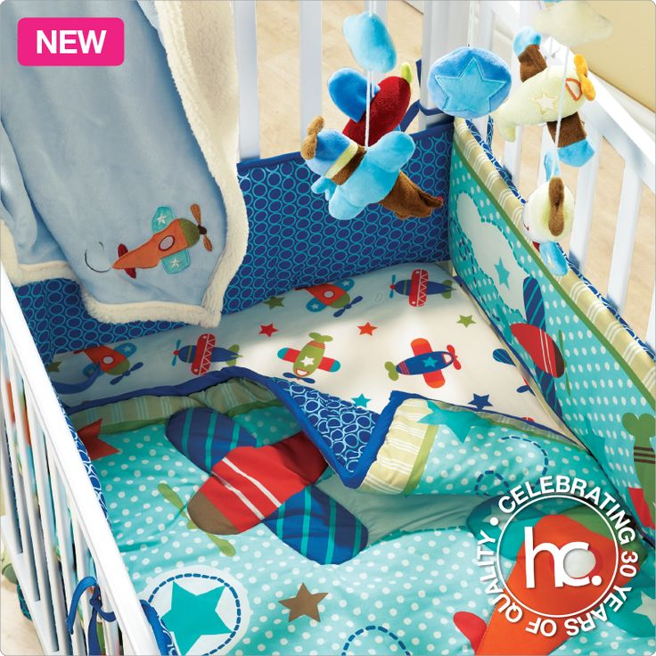 The Aeroplanes bedding set is everything you need for a blissful baby.