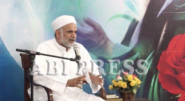 Ulama Sunni Bicara Imam Khomeini