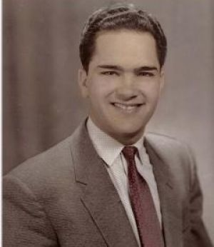 Sam Panopoulos, inventor of the Hawaiian pizza. The Greek migrant who invented Hawaiian pizza from his restaurant in Canada has died. He was 83.  Sam Panopoulos created his original - and controversial - take on the popular Italian dish in 1962.