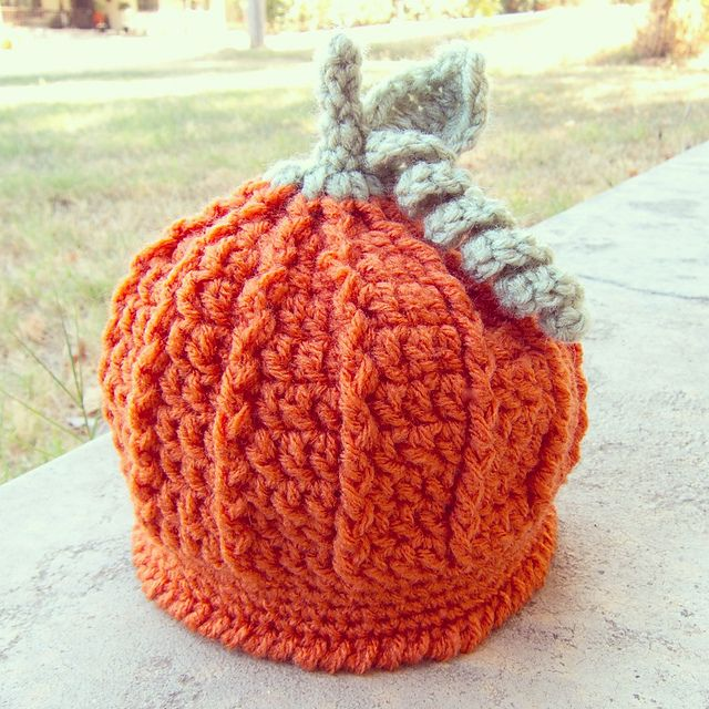 How about a pumpkin for your pumpkin! Make this cute hat in some DROPS Big Merino or Nepal! Ravelry: Pumpkin Harvest Hat pattern by Cathy Kurtz