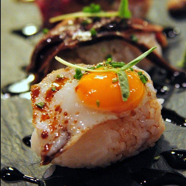Nigiris de huevo del bar Nikkei, en la calle Calatrava 34 de Sevilla